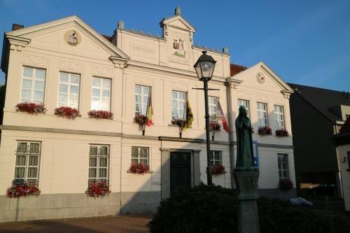 Gemeentehuis en vredegerecht van Zandhoven