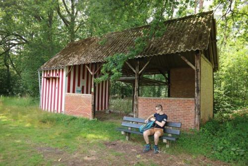 Typisch Kempisch gebouwtje in natuurgebied 's Herenbos